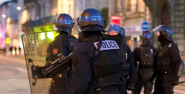 13 skadade i bombdåd i Frankrike