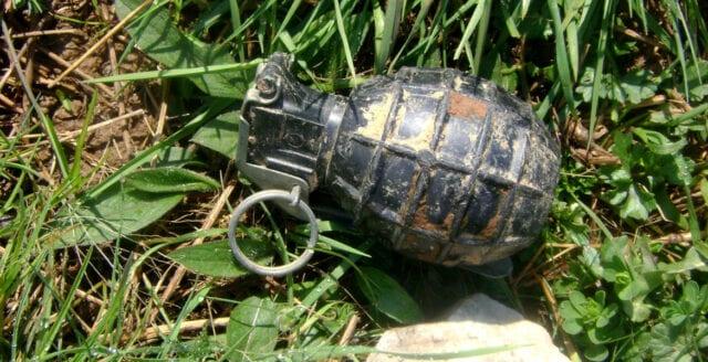 Barn hittade handgranat nära skola i Sollentuna
