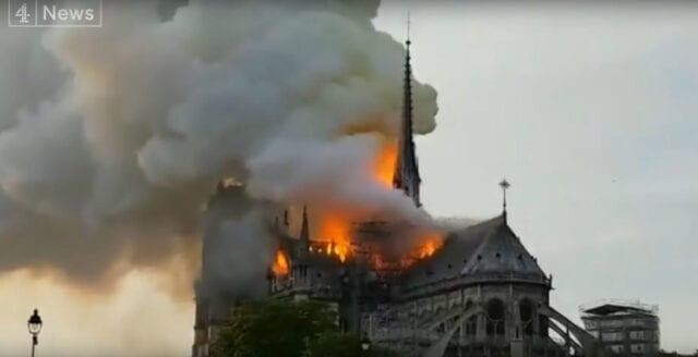 Notre-Dame i lågor – omfattande skador i katedralen