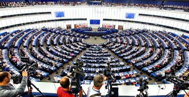 Nationalister, liberaler och gröna framåt i Europaparlamentet