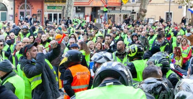 Bensinupproret demonstrerar i Stockholm