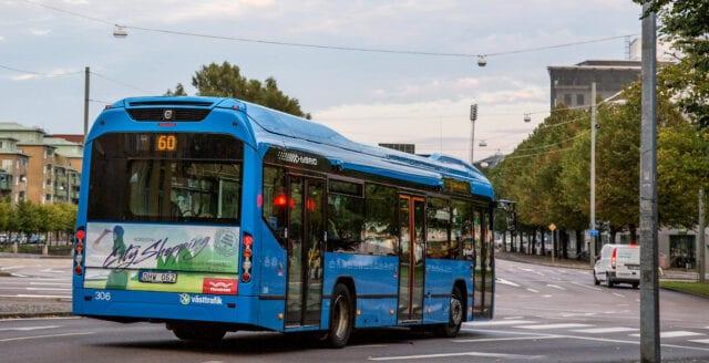 Busschaufför misshandlad av tonårsflickor i Borås