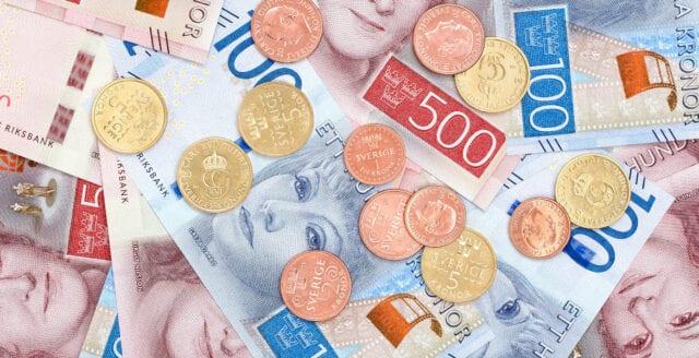 Ny lag gör banker skyldiga att ta emot kontanter