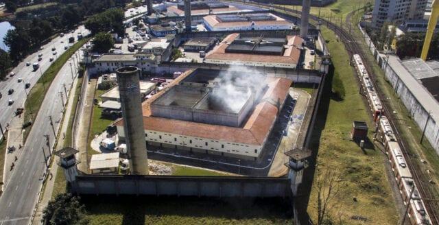 Över femtio döda i brasilianskt fängelseupplopp