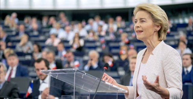 """EU arbetar för """"vaccinpass"""" redan till sommaren"""