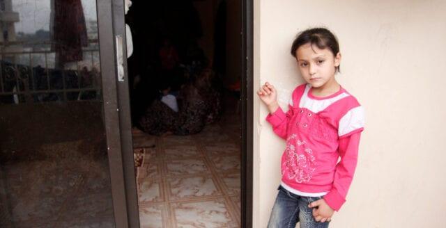 Föräldrar tvingade sina barn spela apatiska för att få uppehållstillstånd