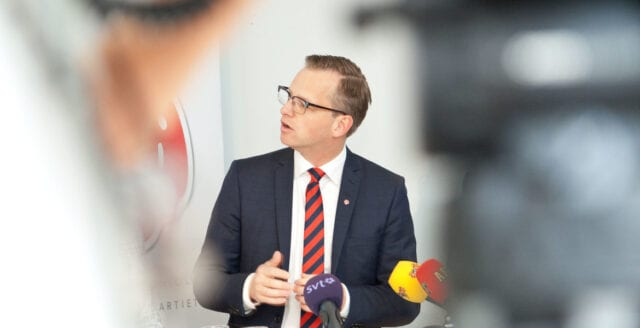 Damberg: Haverikommissionen kan tillåtas dyka på Estonia