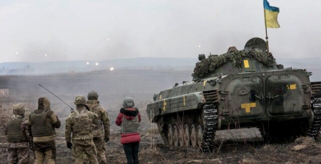 Trupper i Ukraina drar sig tillbaka från krigszon