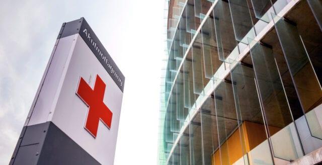Vårdkris i Stockholm – 950 tjänster försvinner från tre sjukhus