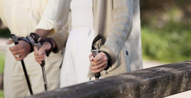 Ungdomsgäng knuffade gift par – orsakade inre blödningar