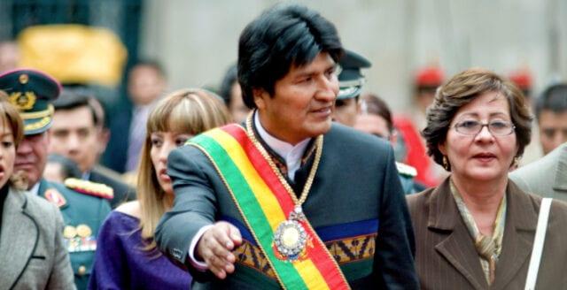 Oppositionsledare utropar sig till president i Bolivia