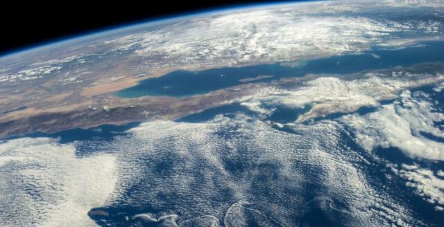 11 000 lekmän varnar för klimathot