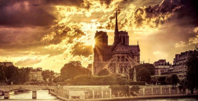 "Macrons general vill ""modernisera"" Notre-Dame – arkitekten vägrar"