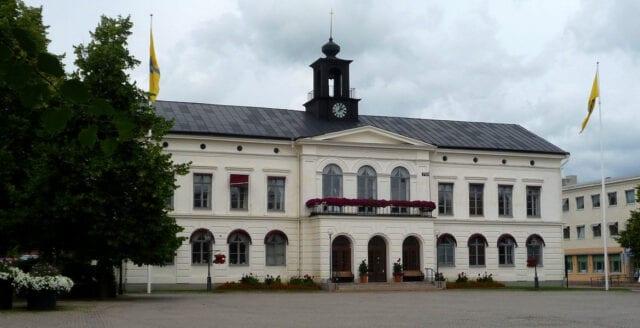 Gruppvåldtäkt i Köping – kvinnan svårt chockad