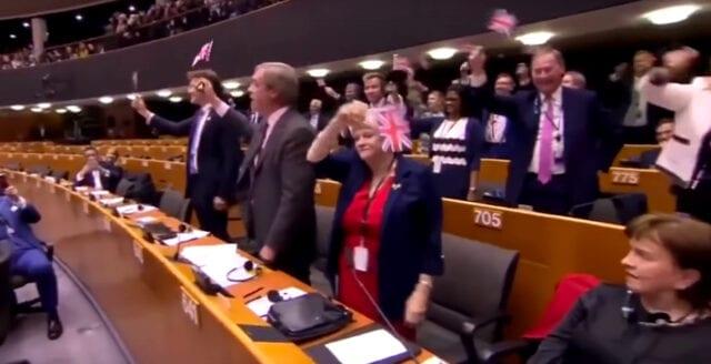 EU-parlamentet röstade ja till Storbritanniens utträde