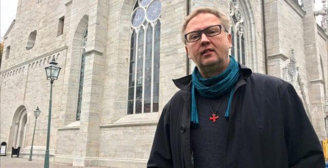 Svenska kyrkan har mörkat ett miljonavtal med petad domprost