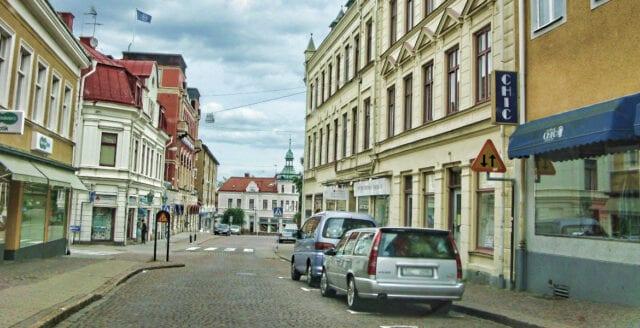 Arabiska kvinnor får skattefinansierad körkortsutbildning i Oskarshamn