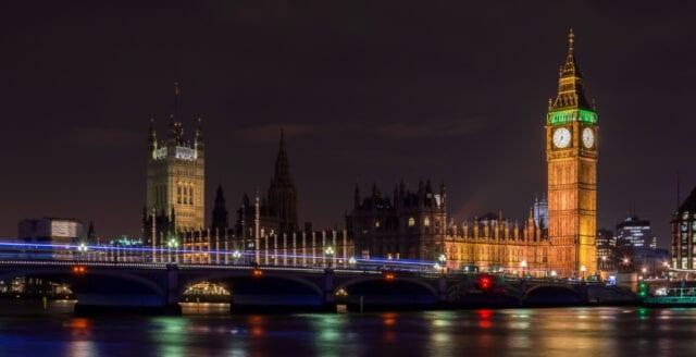 Big Bens bombskador kostar en miljard