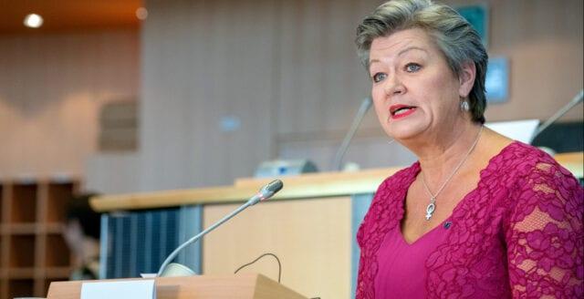 """Ylva Johanssons dubbla besked: EU betalar för återvandring – Ökar insläpp av """"ensamkommande flyktingbarn"""""""