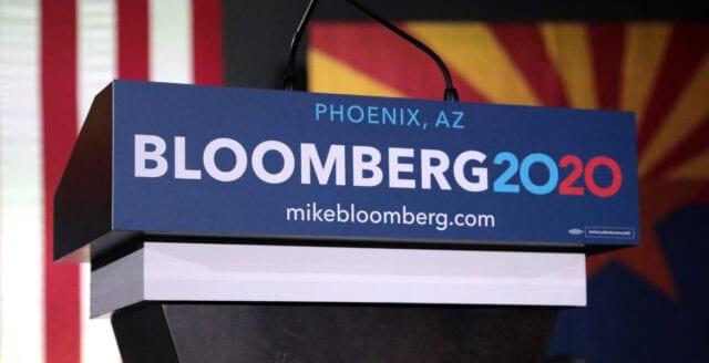 Michael Bloomberg kastar in handduken – ger stöd åt Biden