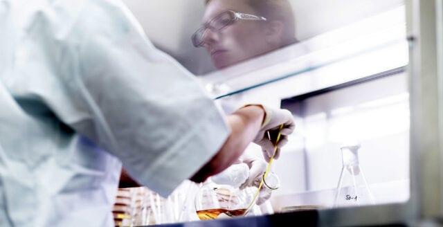 Professor: Coronaviruset kan ha skapats i labb