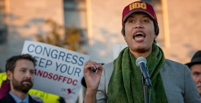 Amerikansk borgmästare hotar med fängelse för dem som bryter utegångsförbudet
