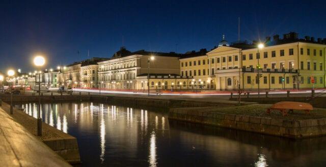 Helsingfors stänger alla offentliga lokaler