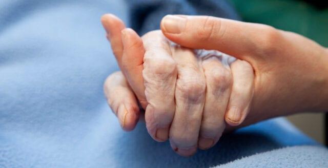 Äldre bortprioriteras – får ingen intensivvård