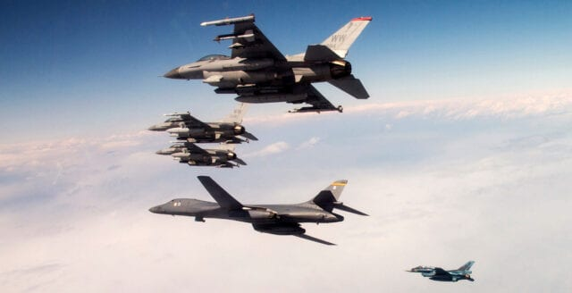 Amerikanska bombplan över Vänern