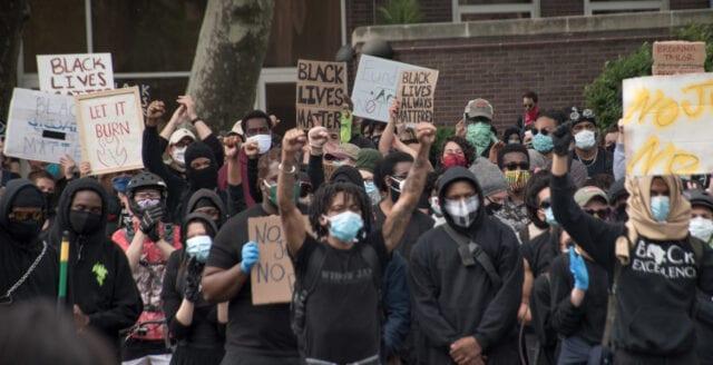 Black Lives Matter – en våldsbejakande rasiströrelse