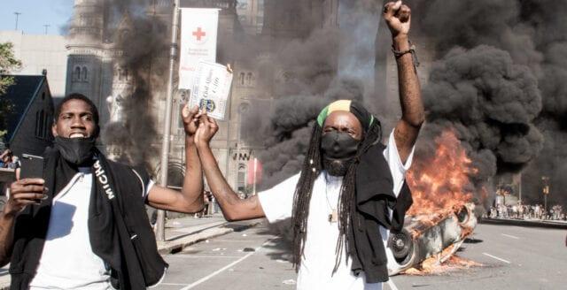 USA: Flera poliser skjutna i samband med kravallerna