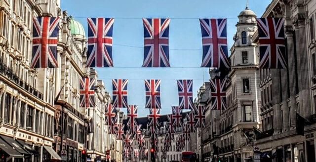 Tre miljoner Hongkongbor kan få brittiskt medborgarskap
