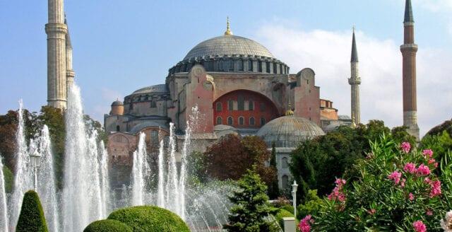 Erdogan fortsätter islamiseringen – Hagia Sofia blir moské