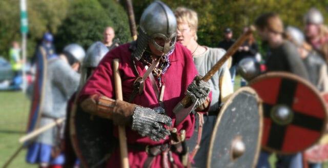 Vikingen Arnljot blir kvinna i ny teaterföreställning