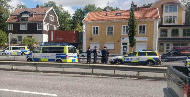 Person på Lidingö hittad ihjälskjuten i bil