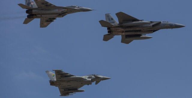 Vitryssland: Nato kraftsamlar vid gränsen