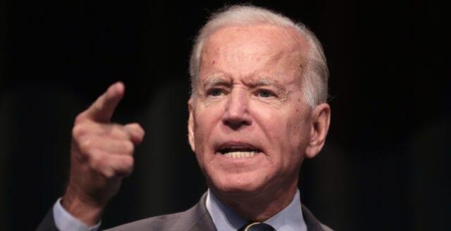 """Joe Biden hotar Ryssland – kallar Putin för """"mördare"""""""