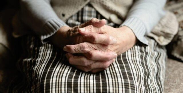 Äldre med covid-19 dog ofta av andra orsaker
