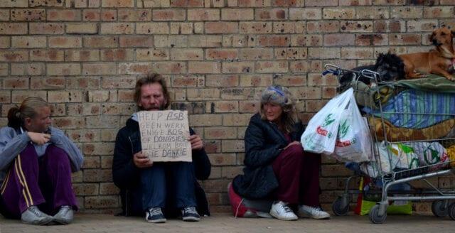 FN:s fattigdomsexpert: 176 miljoner kan hamna i fattigdom på grund av coronarepressionen