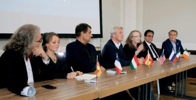 Läkarallians: Coronapandemin har varit över sedan juni