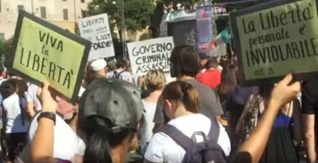 Coronaprotesterna fortsätter i Italien