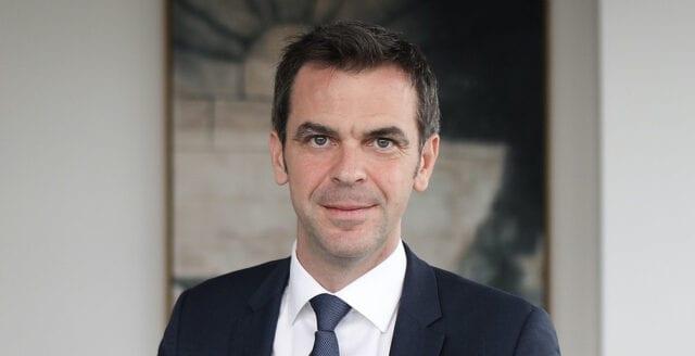 Husrannsakan hos franska hälsoministern – utreds för landets coronahantering