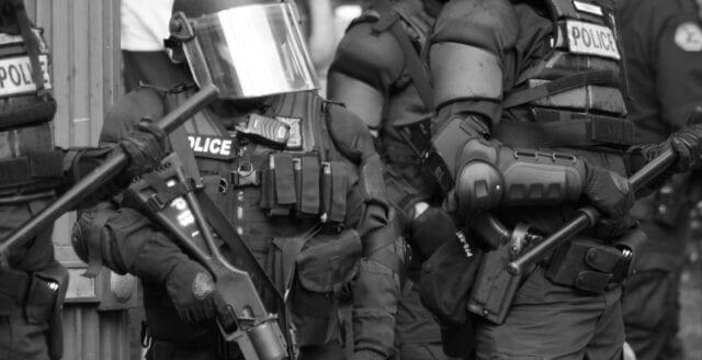 Analytiker: Australien i praktiken nu en polisstat
