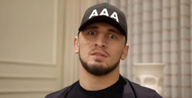 UFC-fighter hyllar tjetjen som halshögg fransk lärare