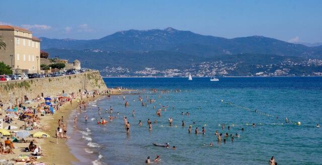 Korsika och staden Lille inför moratorium för 5G