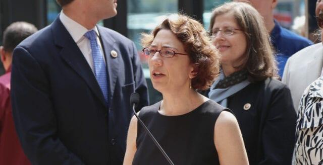 Lagförslag: Coronavaccinet ska tvingas på New York-borna