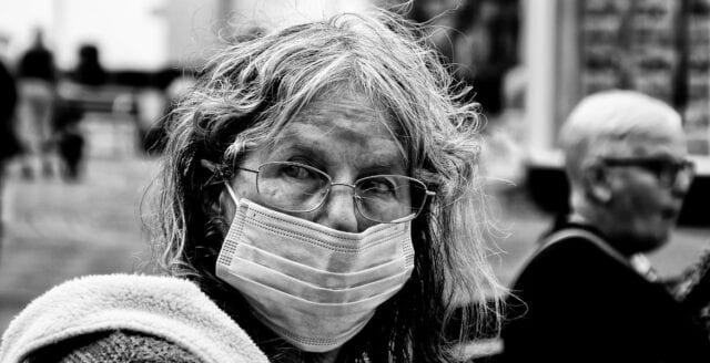 """Endast """"kirurgiska"""" munskydd får användas i Tyskland och Österrike"""