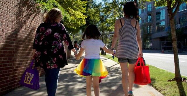 """Föräldrabalken blir könsneutral – """"mamma"""" och """"pappa"""" försvinner"""