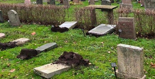 300 gravstenar välta i Solna