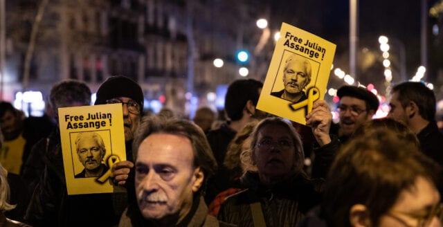 Julian Assange släpps inte mot borgen